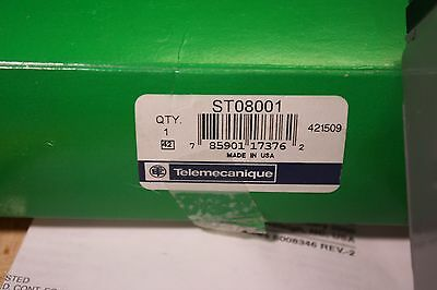 Telemecanique ST08001 Proximity sensor magnet actuated *New In Box*
