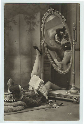 1920s Glamour French Risque n/ Nude SEXY FLAPPER CUTIE Leggy Sexy photo postcard
