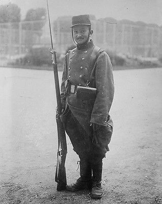 New World War I WWI 8x10 Photo - French soldier in full uniform with rifle 1914