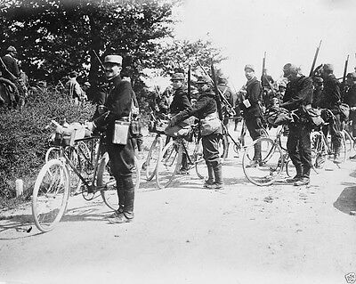New World War I WWI 8x10 Photo - French soldiers riding bicycles to the front