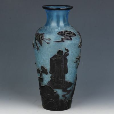 Exquisite Chinese hand-carved glass vase