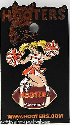 Sexy HOOTERS Girl Cheerleader Football WILLOWBROOK, TX Label Pin - NEW