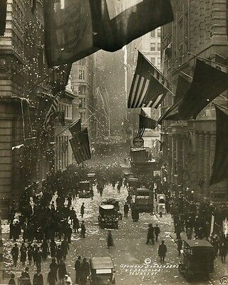 German Surrender celebrated on Wall Street New York World War I WWI 8x10 Photo