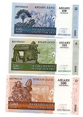 MADAGASCAR 100 / 200 and 500 Ariary - A Set of 3 Crisp UNC Banknotes