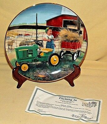 John Deere Plate Pitching In Donald Zolan Little Farmhands I2631 Danbury Mint