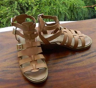 VINTAGE Siren Gladiator Hard Core Eye Catching Breezy Leather Sandals 6