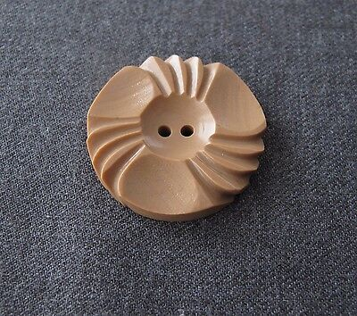 ANTIQUE 1930'S CARVED BEIGE GALALITH FLOWER BUTTON   1 1/4 inches