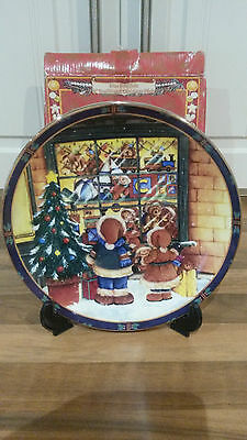 Regency Fine Arts Fine Porcelain Traditional Christmas Plate With Display Stand.