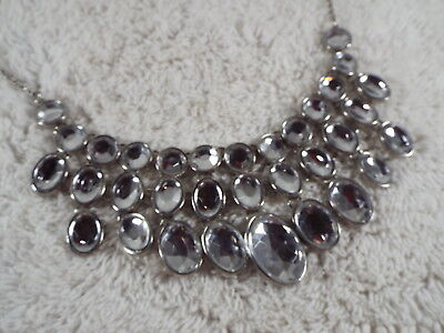 Silvertone Clear Acrylic Cabochon Bling Scoop Bib Necklace (D18)