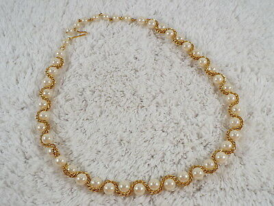 Goldtone Chain Woven Faux Pearl Bead Necklace (D5)