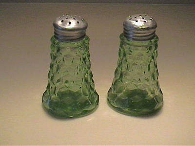 Vintage 1930's Green Cube Or Cubist Salt & Pepper Shakers - Original Lids
