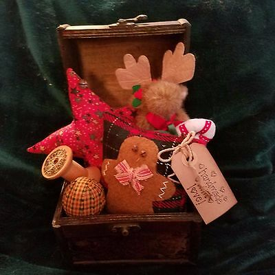 Primitive Holiday Trunk with Boyd's Moose and Goodies New