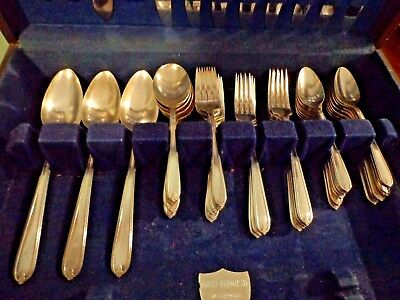 1935 ONEIDA Longchamps-Chaumont Heritage Plate Service for Eight 63pc EXCELLENT!