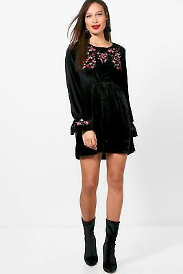 Boohoo Womens Tall Nadia Embroidered Velvet Smock Dress
