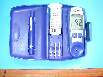 ACCU-CHEK Active BLOOD GLUCOSE MONITORING SYSTEM complete & working