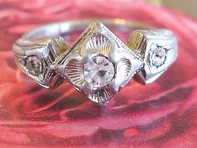 VINTAGE 1940's COSTUME JEWELRY PASTE OR RHINESTONE TRILOGY THREE STONE RING