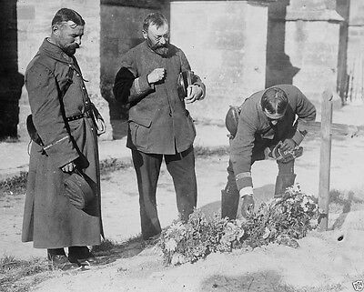 French officers place flowers on a soldier's grave 1914 World War I 8x10 Photo