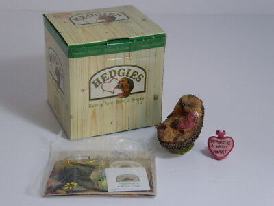 Country Artists Hedgies Figure Happiness Is A warm Heart Ref 90877 Boxed
