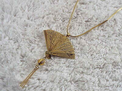 Goldtone Lady's Hand Fan Pendant Necklace (A32)