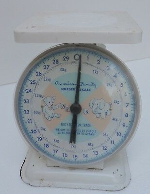 American Family Nursery Scale Vintage 30 lbs. Weight Limit Great Condition