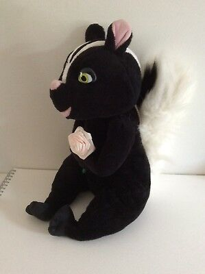 OVER THE HEDGE.STELLA THE SKUNK.LARGE SOFT TOY.dreamworks