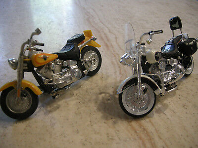 2 Harley-Davidson Motorcycle Cycle Toys Models Collectible - Length 5 Inches