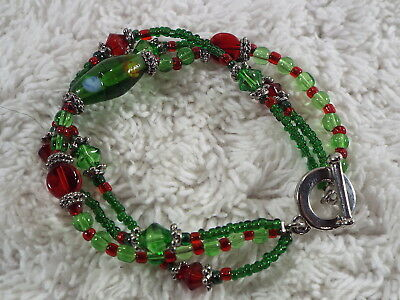 Christmas Red & Green Glass Bead Bracelet (D40)