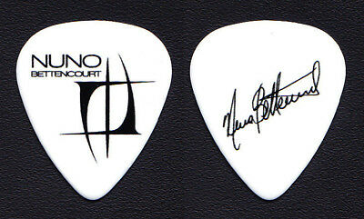 Extreme Nuno Bettencourt Signature White Guitar Pick - 2016 Rihanna