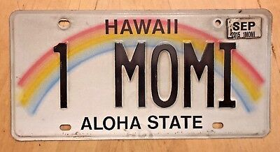 """Hawaii Vanity License Plate  """" 1 Momi """" One Mommy Mom Mother"""