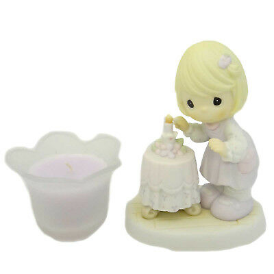 Precious Moments A MOTHER'S LOVE IS A WARM GLOW Porcelain/Glass Family 4001650