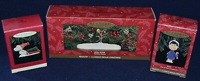 Hallmark A Charlie Brown Christmas Lucy Woodstock Snow Scene tree for snoopy box