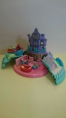 Polly Pocket Disney 101 dalmatians, 1996 Cruella's mansion. No figures.