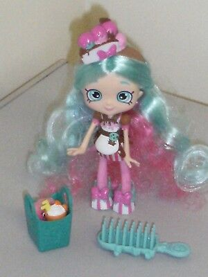 "Approx 5 1/4"" Tall Green/Pink Haired SHOPKINS GIRL DOLL With 8 Accessories-VGC"