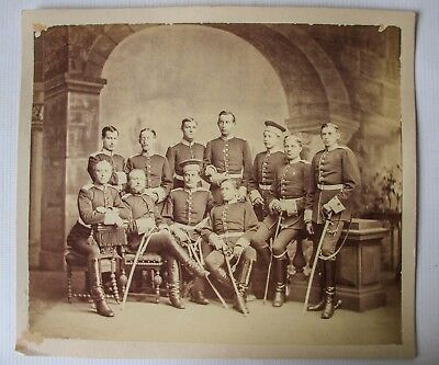 WW1 WWI IMPERIAL GERMAN PHOTOGRAPH - PHOTO GROUP 10 on their shoulder straps
