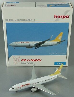 Herpa Wings 505628 Boeing 737-800 Pegasus Air 1/500
