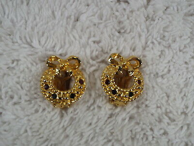 Goldtone Rhinestone Christmas Wreath Clip-on Earrings (D44)