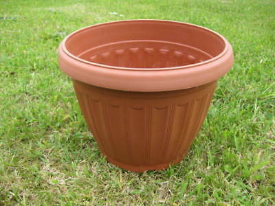 Wholesale stock job lot Large Round Plastic Terracotta Plant Pots x16