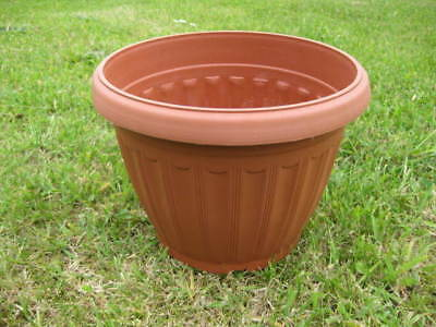 Wholesale stock job lot Small Round Plastic Terracotta Plant Pots x47
