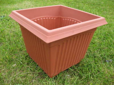 Wholesale stock job lot Small Square Plastic Terracotta Plant Pots x47