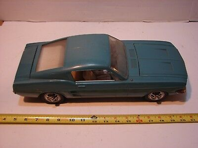 VINTAGE Wen Mac AMF 1967 Ford Mustang Fastback Motorized 1/12 Scale BATTERY OP