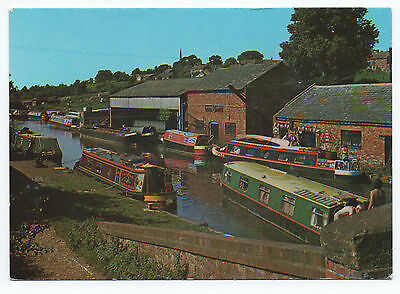 (P1797) Boats at Braunston. Grand Union Canal. Beric Tempest Postcard
