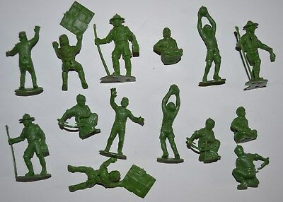 Marx. 2.1/2 inch PlasticBoy Scouts figures)