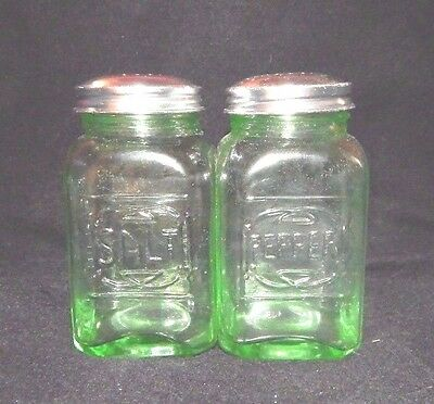 GREEN Glass SQUARE SALT PEPPER S/P SHAKERS w RAISED LETTERS Depression Style
