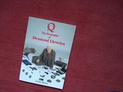 Desmond Llewelyn-Q The Biography-Signed By Q  And Author Sandy Hernu-James Bond