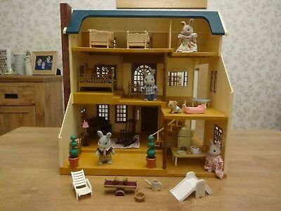 Sylvanian Families bundle. Oakwood Manor / House on the hill. Figures, furniture