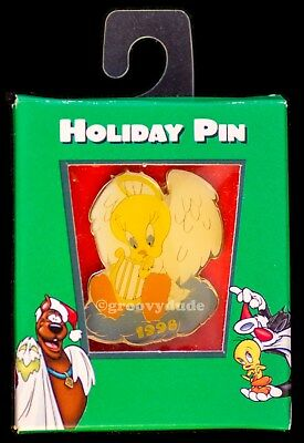 Tweety Bird 1998 Christmas Angel Holiday Lapel Pin Warner Bros Brothers Store