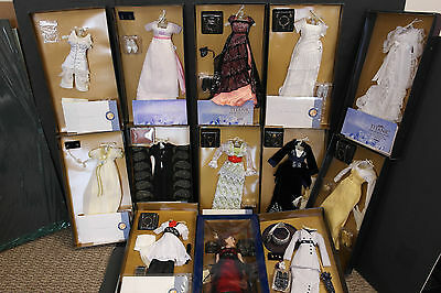 Franklin Mint Titanic Rose Vinyl Doll With 12 Ensembles Complete Collection COAs