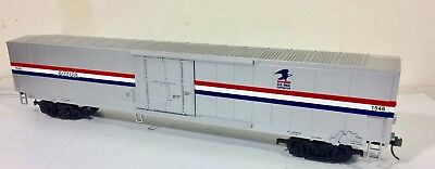 MTH 2-rail Amtrak MHC 61-ft. Mail Box Car, Kadee couplers