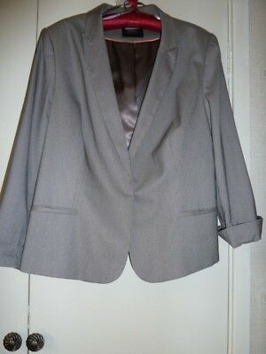 Ladies Light Grey Trouser And Jacket Suit - 18