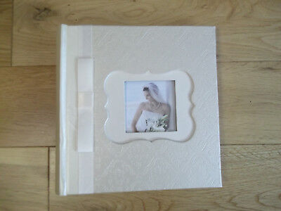 """Lovely Ivory Wedding Photo Album-plastic sleeves for 4x6"""" Prints. 50 Pages. New."""